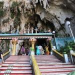 272 Stufen zu den Batu Höhlen