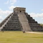Chichen Itza Pyramide mit Stufen