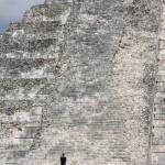 Aufgang der Pyramide Chichen Itza im Detail