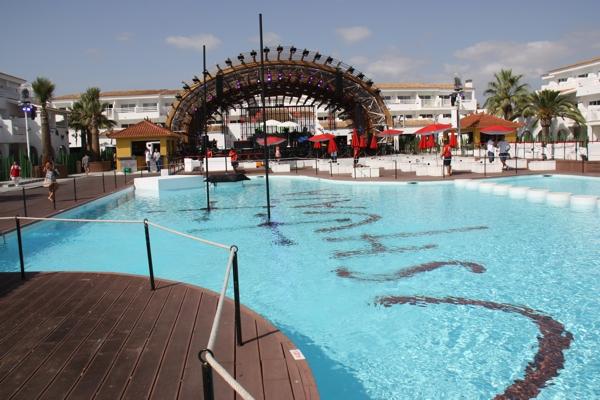 Pool im Ushuaia Beach Hotel auf Ibiza