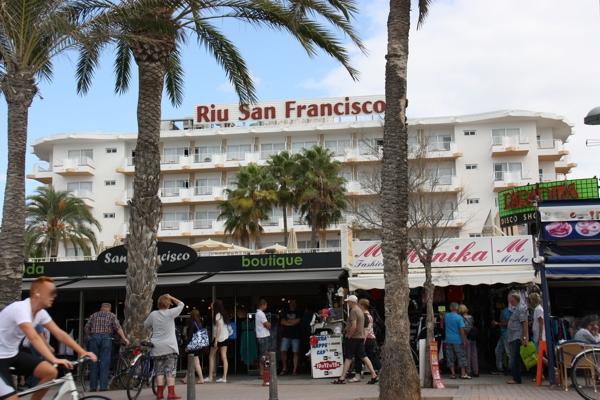 Blick auf das Hotel Riu San Francisco