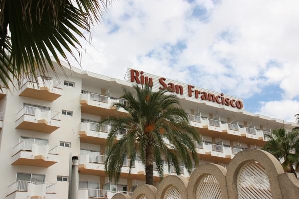 Balkone auf der Südseite des Hotel Riu San Francisco