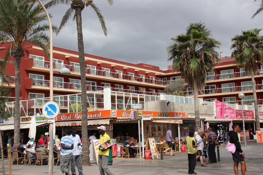 Hotel Neptuno Strandseite