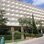 Blick auf Balkone des Hotel Caballero