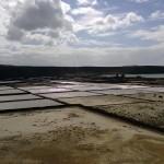 Trockene Becken der Salzgewinnungsanlage Salinas de Janubio