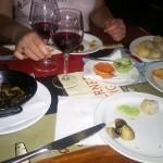 Essen in einer Tapas-Bar in Puerto del Carmen