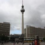 Berliner Fernsehturm vom Alexanderplatz
