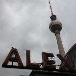 Blick auf den Fernsehturm vom Alexanderplatz