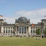 Reichstagsgebäude in Berlin mit Kuppel