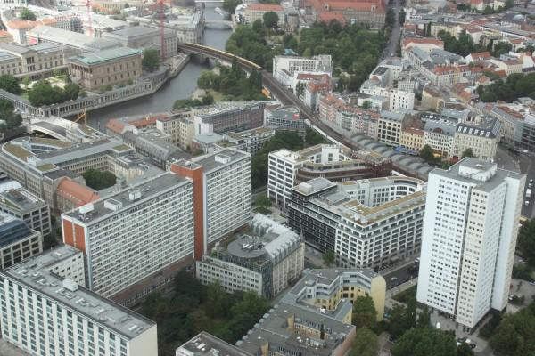 Blick auf Berlin-Mitte und Spree vom Fernsehturm