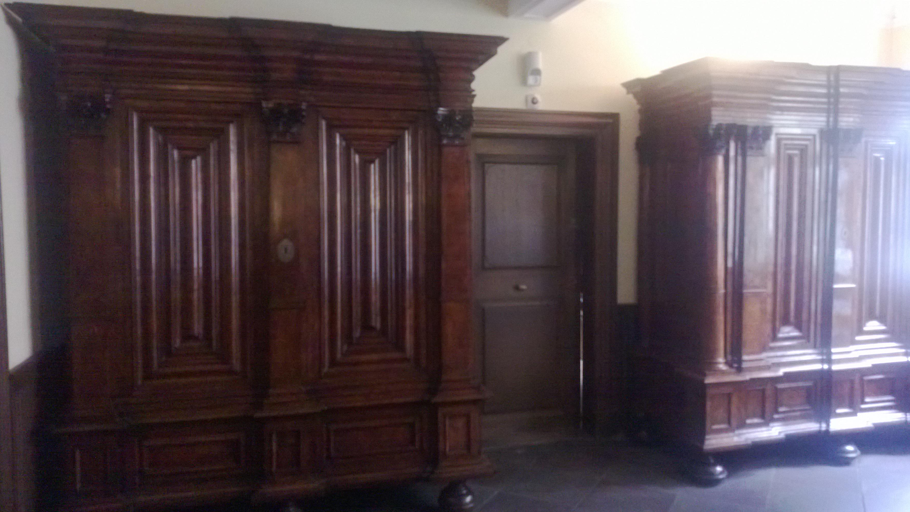 Vorsaal mit Wäscheschrank