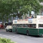 Abfahrt für Stadtbesichtigungsbusse am Kudamm