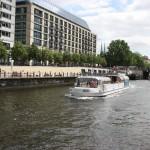 Ausflugschiff in Berlin Mitte
