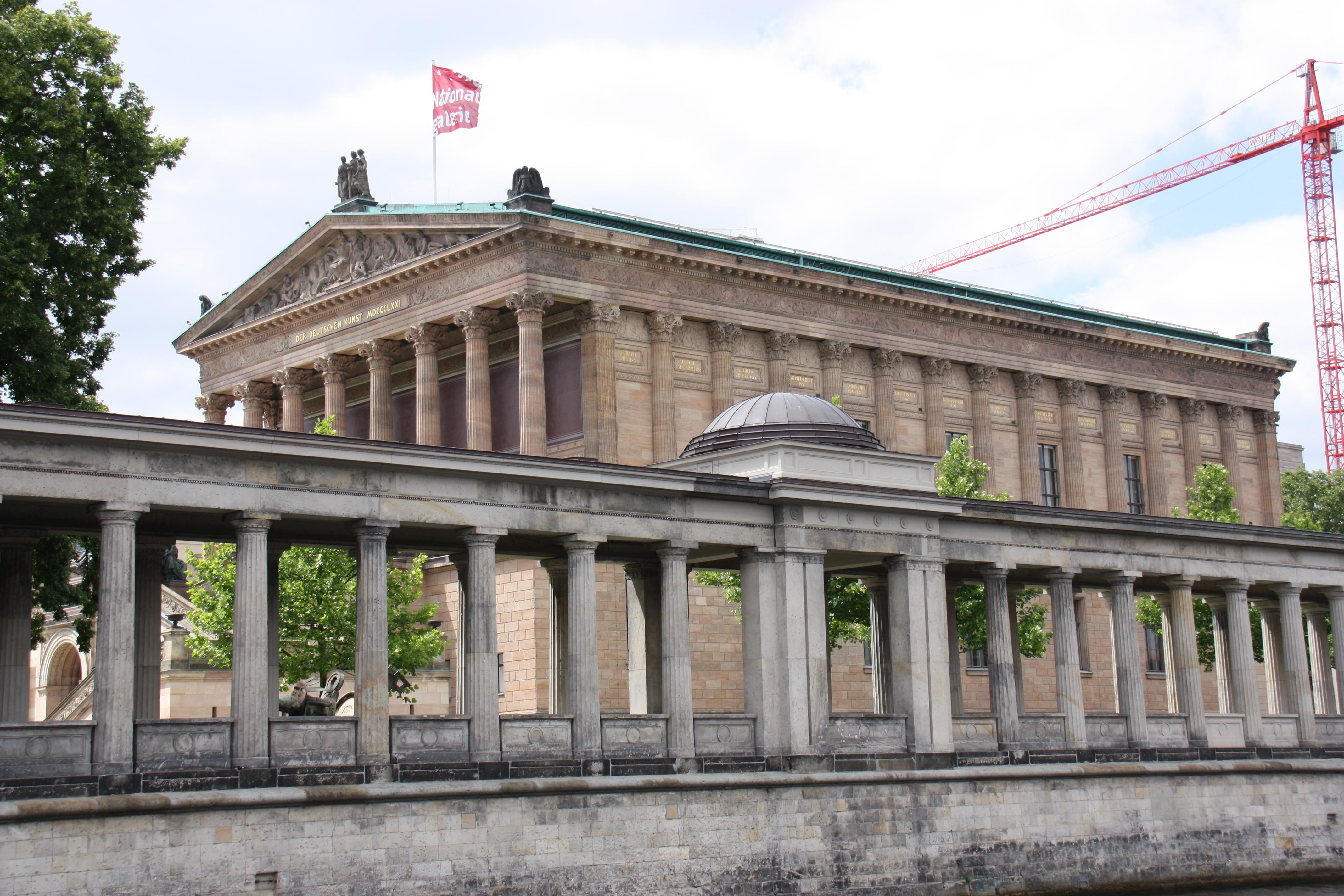 Auf der Spree vorbei an den Museen