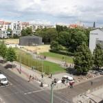 Blick auf Gedenkstätte Berliner Mauer an der Bernauer Straße