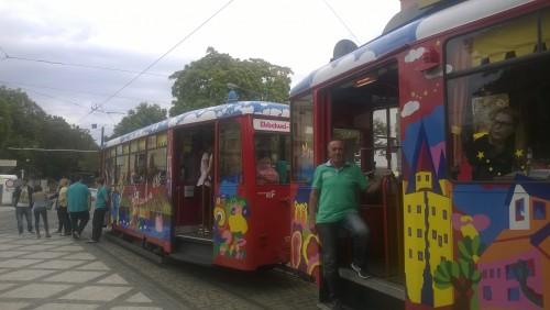 Bunte Züge des EbbelwEi-Express