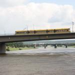 Fahrt durch die Carolabrücke in Dresden