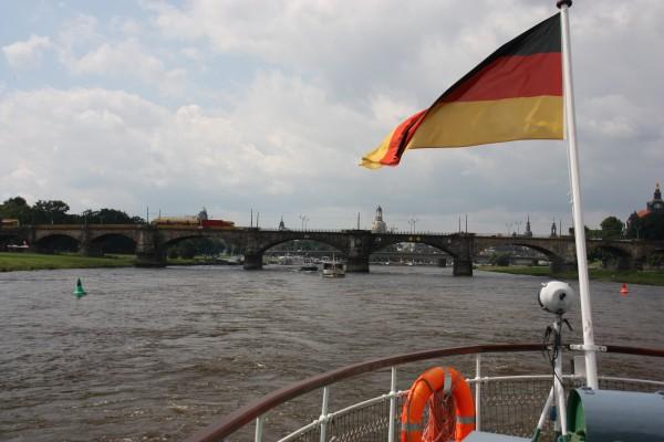 Blick von der Elbe Richtung Altstadt Dresden