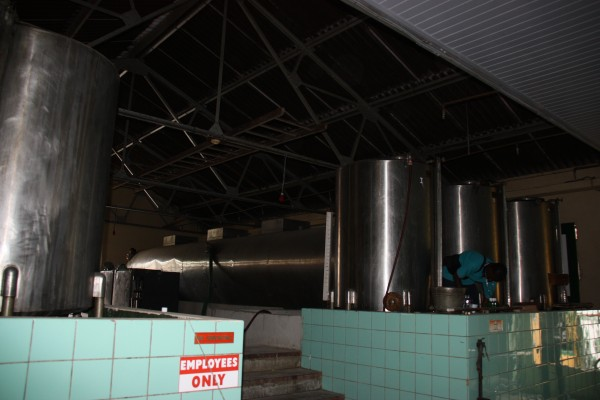 Brennkessel zur Herstellung des Blue Curacaos