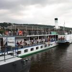 Elbschiffe an der Anlegestelle Blasewitz beim Blauen Wunder