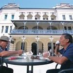Historische Architektur und moderne Einkaufsstraßen - Flüge nach Perth vereinen Kultur und Shopping