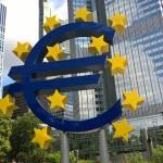Sehenswürdigkeit Euro vor der ehemaligen EZB