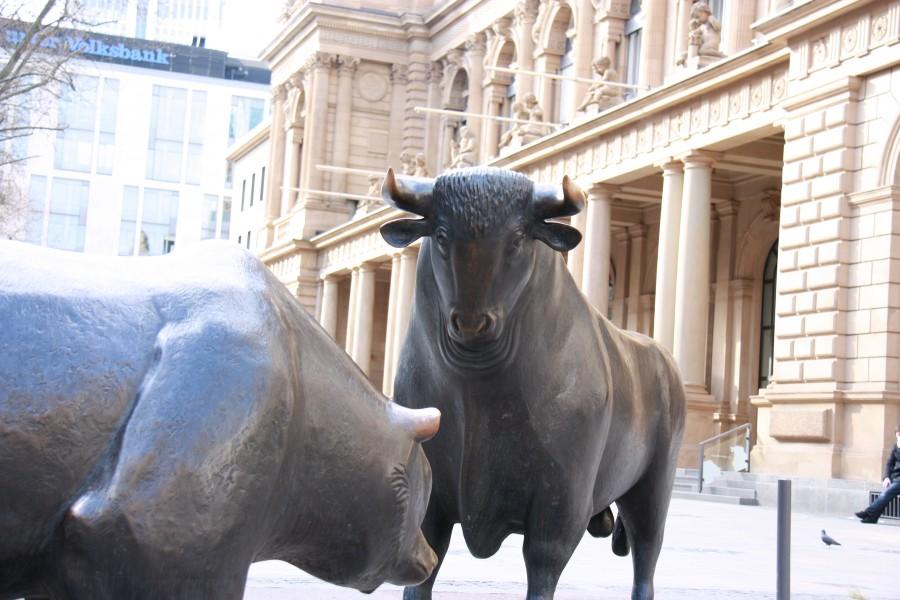 Bulle und Bär vor der Frankfurter Wertpapierbörse