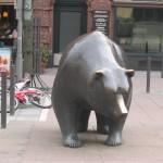 Bär vor der Börse in Frankfurt