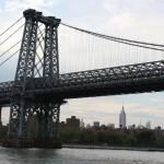 imposante Stahlträger der Brooklyn Bridge