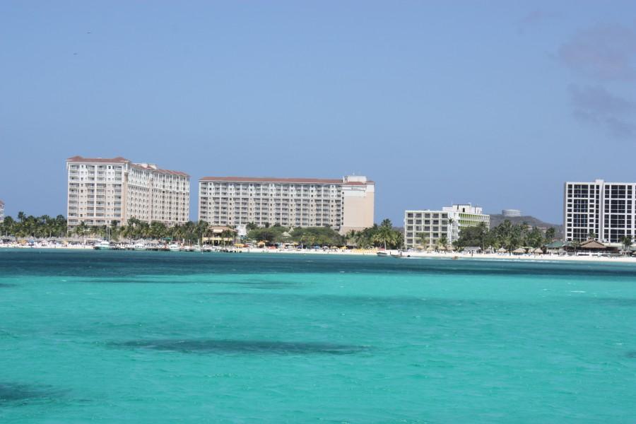türkisblaues Meer am Palm Beach