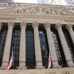 Tempelfassade und Giebelskulptur der New York Stock Exchange