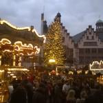 Karussell und Weihnachtsbaum