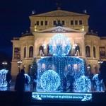 Weihnachtsdekoration vor der Alten Oper