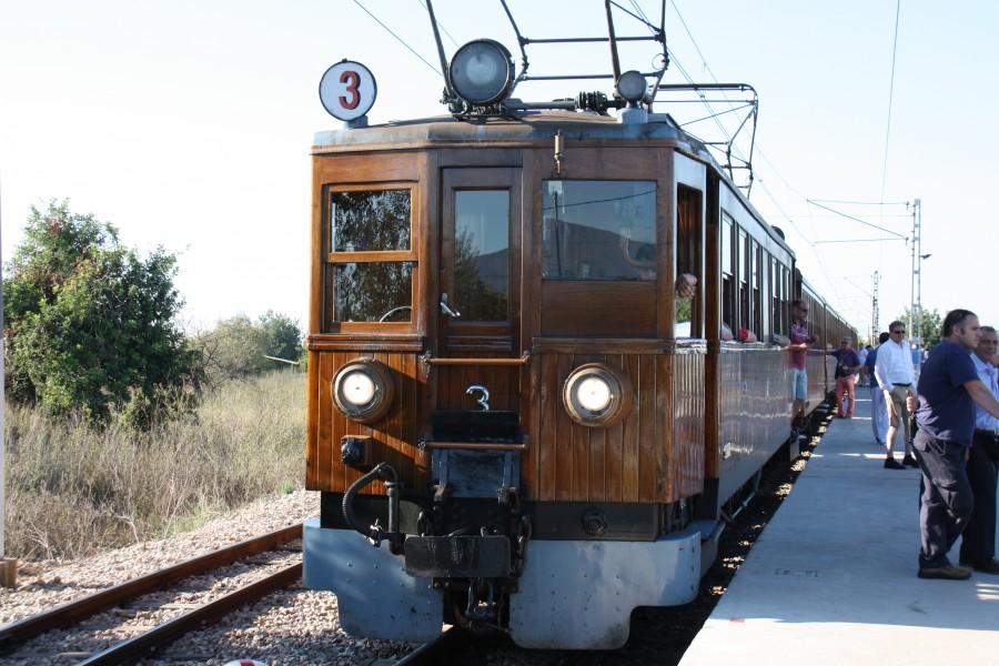 Triebwagen des Tren de Sóller