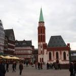 Nikolaikirche mit Samstagsberg (Ostzeile)