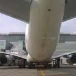 Unter einem A380 am Frankfurter Flughafen