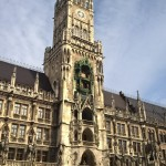 Turm mit Glockenspiel im Neuen Rathaus München