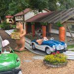 Selbstfahrende Sportwagen im Freizeitpark